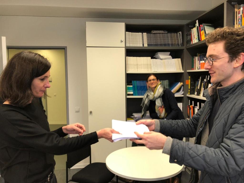 Übergabe der Petition der Medienwissenschaftsstudierenden